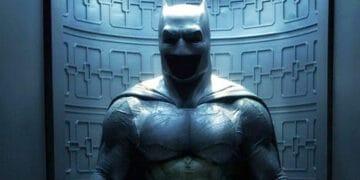 Flash-DCEU-Batman-Batsuit-Batcave