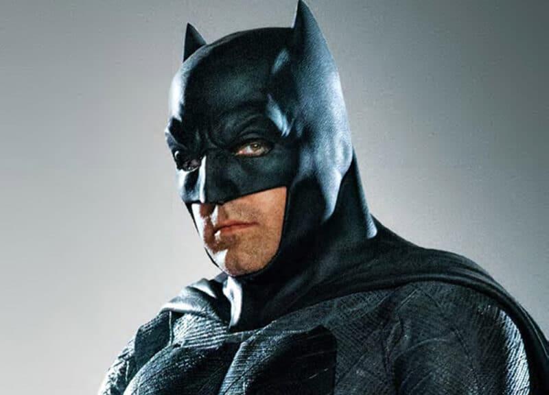 Flash-DCEU-Batman-Batsuit-Ben-Affleck-Cowl