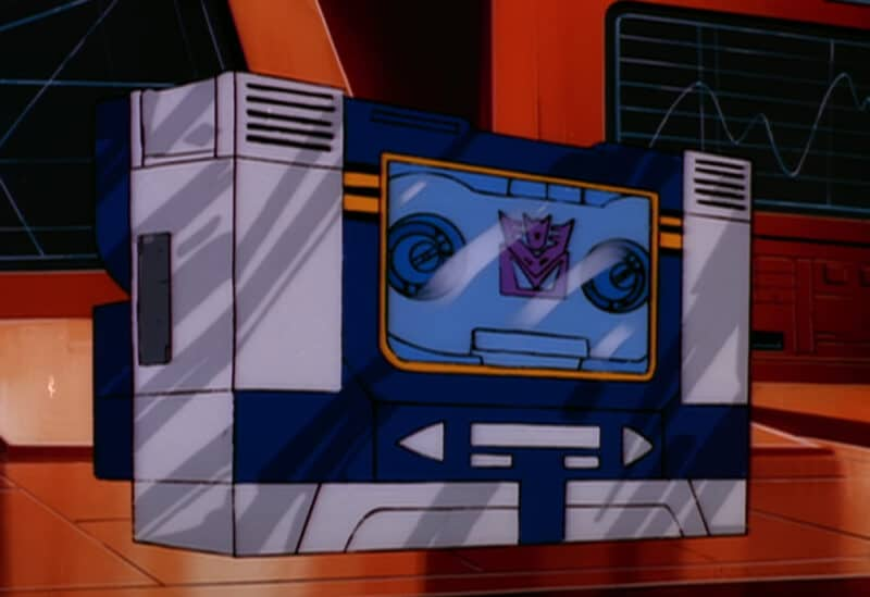 Hasbro-Pulse-YouTube-Transformers-G1-Soundwave